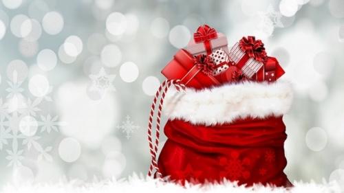 Новогодние подарки в центре Керала - акция